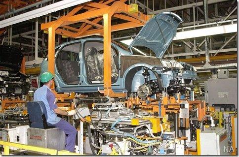 Funcionários da GM entram em greve