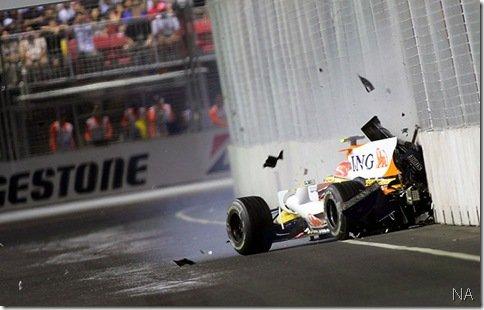 FIA expulsa Briatore da F1, afasta Symonds e pilotos são inocentados