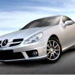 Mercedes SLK 200K Sport chega ao Brasil