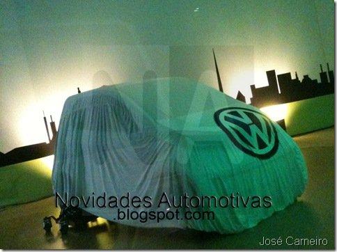 EXCLUSIVO – Misterioso modelo compacto é flagrado em concessionária Volkswagen no Brasil