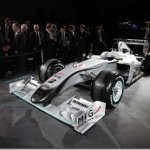 Mercedes GP mostra como será seu carro na temporada 2010