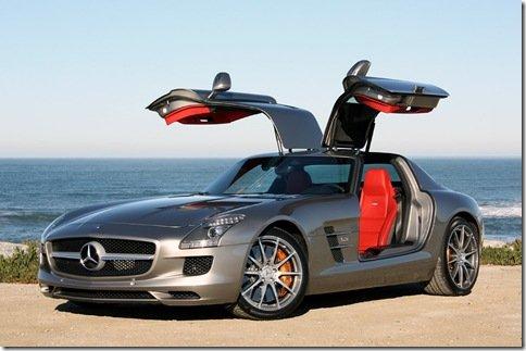 Mercedes-Benz começa a produzir a SLS AMG