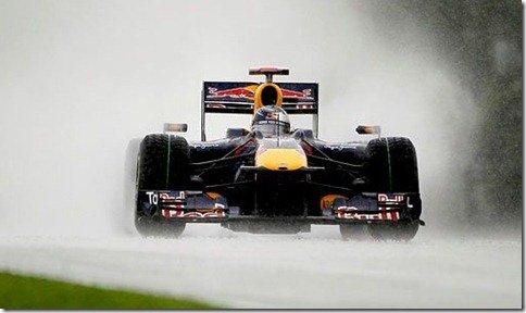Webber larga na frente no GP da Malásia
