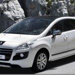 Peugeot revela o 3008 HYbrid4