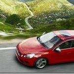 Volvo apresenta versão esportiva do S60