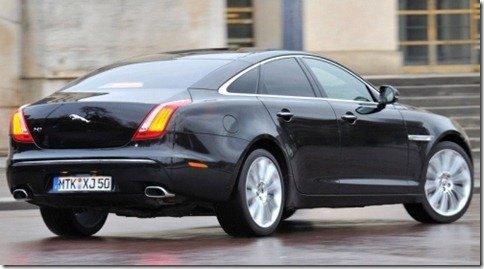 Jaguar XJ é lançado por R$ 580 mil