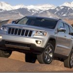 Jeep Grand Cherokee parte de R$ 154 mil