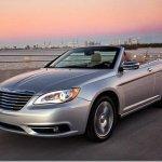 Chrysler 200 Convertible aparece em fotos oficiais