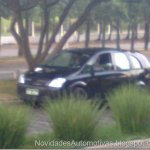 Protótipo da nova minivan GM é flagrado em Sorocaba, SP