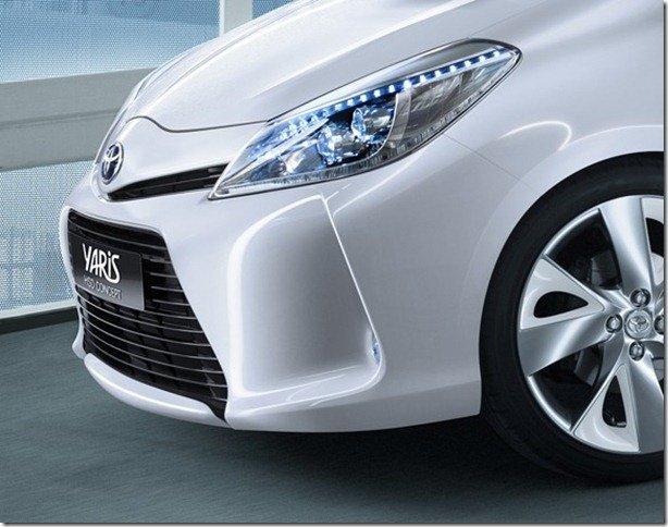 Toyota revela teaser do Yaris HSD Concept