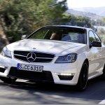 Mercedes apresenta o C63 AMG Coupé