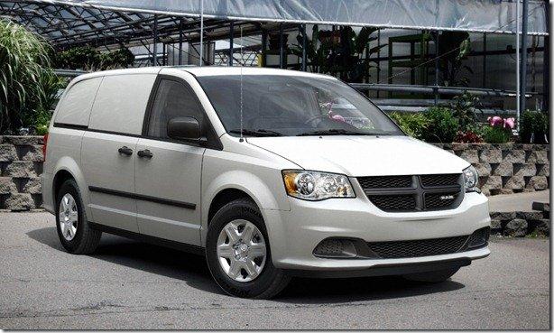 Dodge Grand Caravan se ganha versão comercial da marca Ram