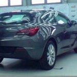 Vaza imagem da versão de produção do Opel Astra GTC