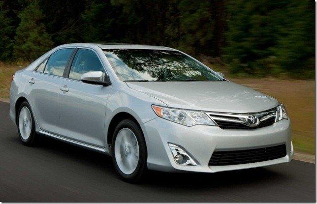 Toyota Camry 2012 chega até março