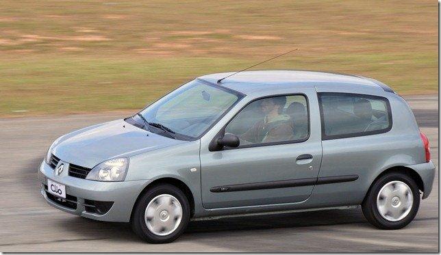 Renault Clio tem mudanças pontuais na linha 2012