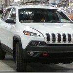 Primeiras imagens do Jeep Cherokee 2014