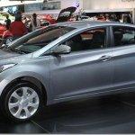 Hyundai já vende Elantra 2.0 Flex e novo Santa Fé começa a ser entregue em maio
