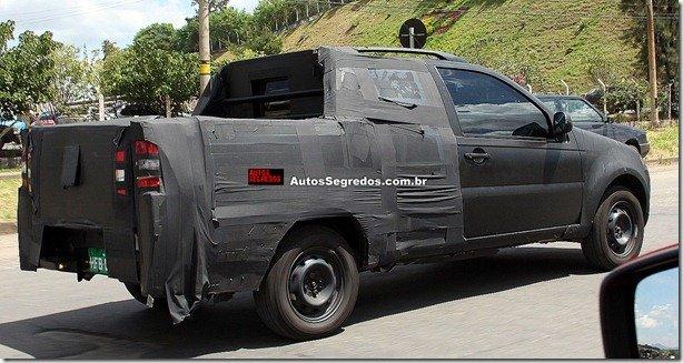"""Foto revela """"nova"""" lateral da Fiat Strada"""