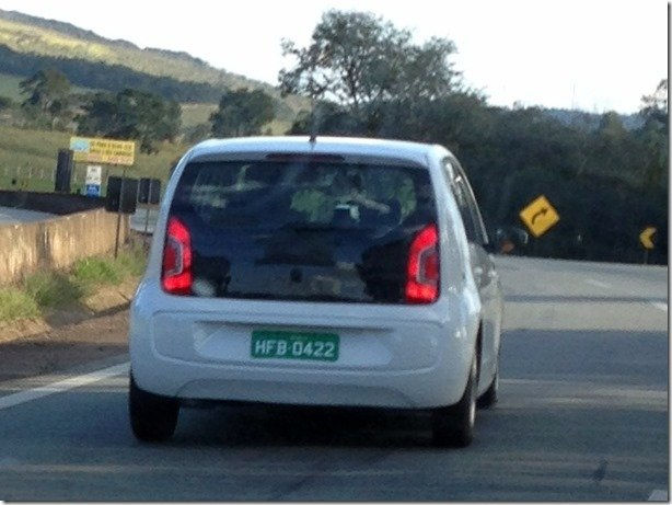 Flagramos um dos Volkswagen Up! da Fiat