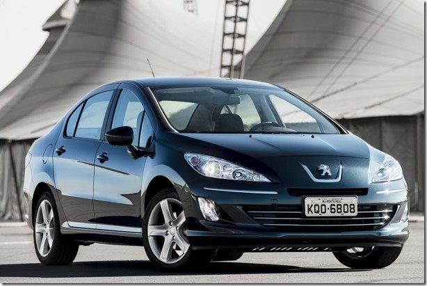 Peugeot 408 2014 chega às lojas com novas transmissão automática e suspensão