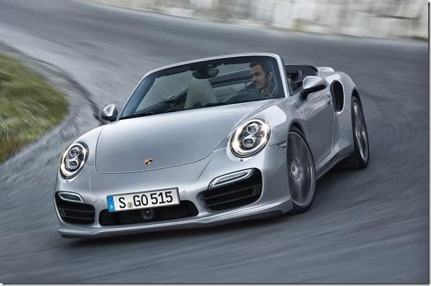 A céu aberto: Porsche mostra o 911 Turbo e Turbo S conversível