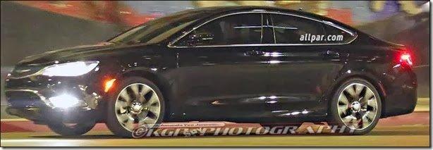 Primo do Dodge Dart, Chrysler 200 aparece sem camuflagem
