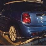 MINI Cooper de quatro portas é flagrado sem camuflagem