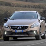 Volvo lança V40 Cross Country por R$ 141.500
