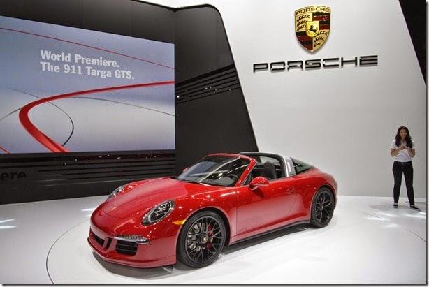 Porsche 911 Targa GTS é apresentado