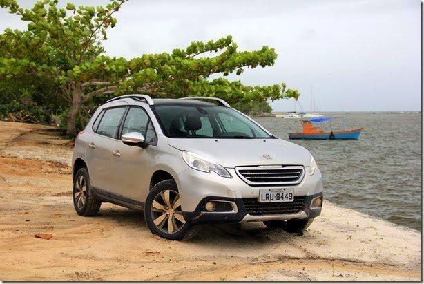 Alta Roda – Peugeot 2008 pede passagem