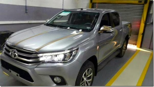 Nova Toyota Hilux 2016 tem visual revelado por dentro e por fora