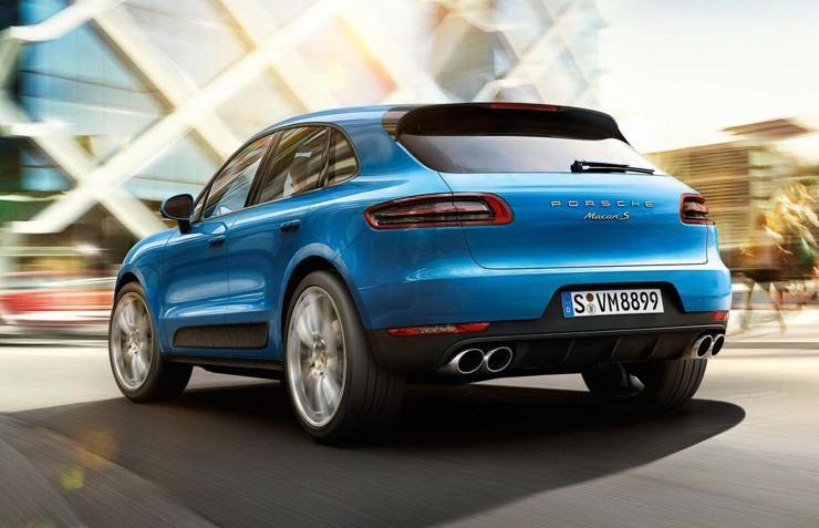 2015-Porsche-Macan-Latest-Images-CarRevsDaily.com-29