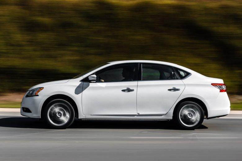 Nissan Sentra 2016 atualiza suas definições de conforto com versão Unique