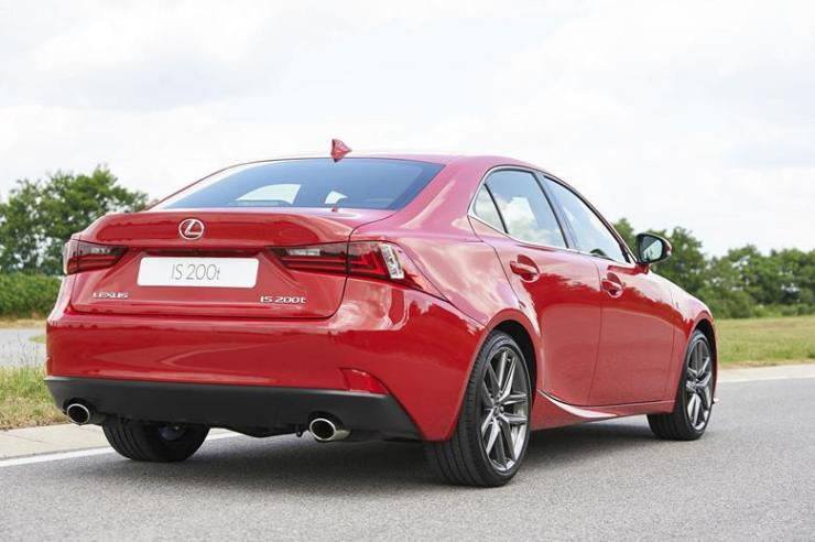 lexus is 200t 2 (Copy)