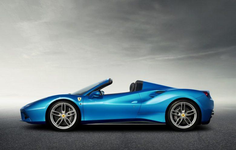 Nova Ferrari 488 Spider tem motor V8 turbo de 670cv