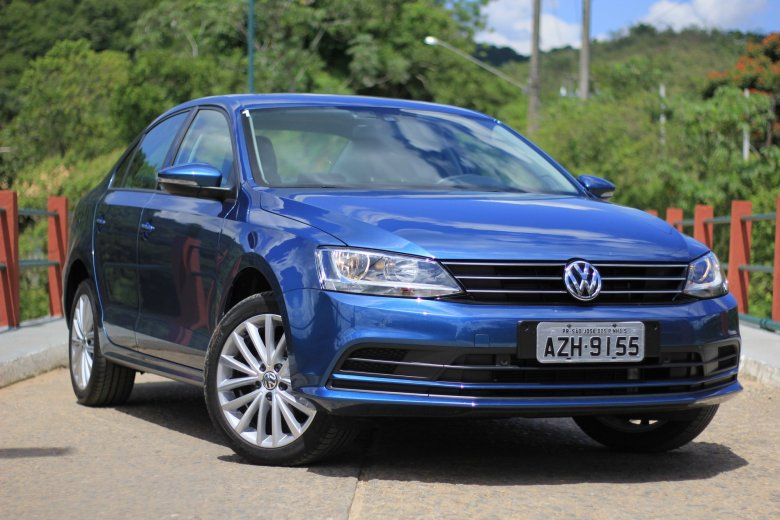 Volkswagen Jetta nacional chega às lojas este mês