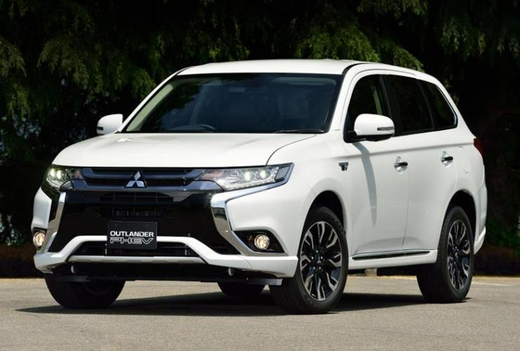 mit outlander phev (Copy)