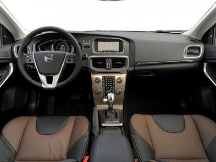 volvo-v40-cross-country-drive-e