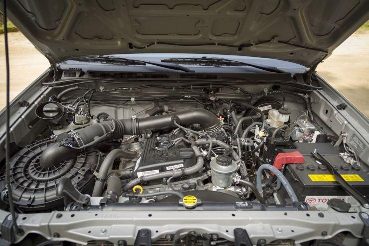 Toyota Hilux SRV Flex (12)