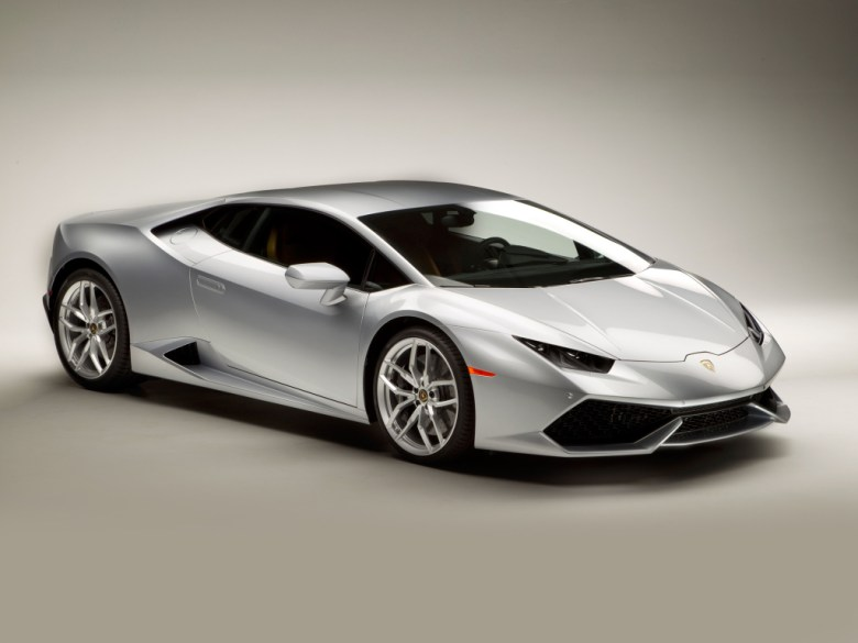 Lamborghini Huracán ganha novidades na linha 2016