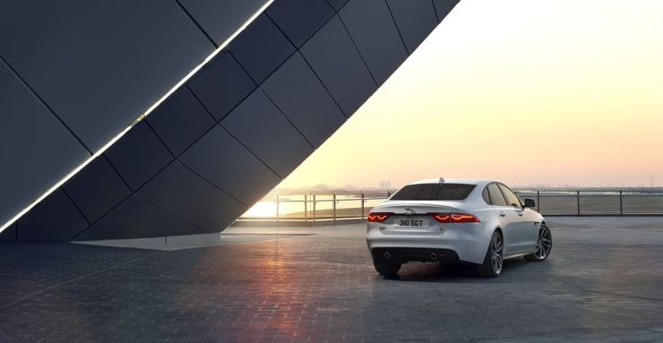 Jag_New_XF_S_Location_Image_010415_03_LowRes