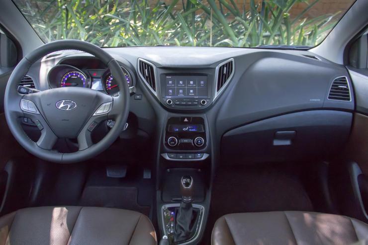 Hyundai HB20 Premium 1.6 AT 2016 (14)