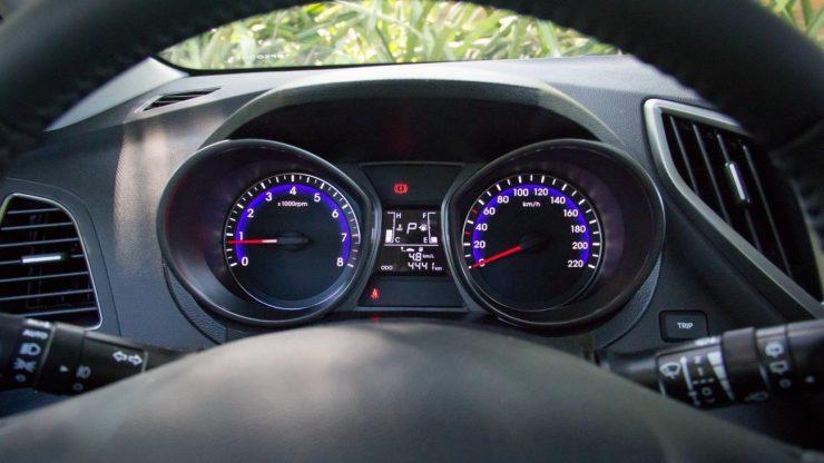 Hyundai HB20 Premium 1.6 AT 2016 (16)