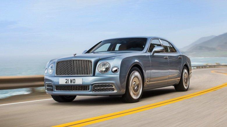 Bentley Mulsanne tem visual atualizado e versão longa