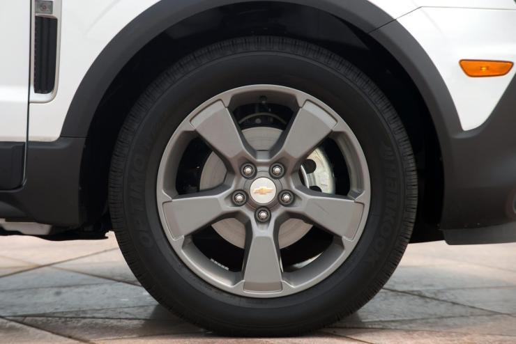 Chevrolet-Captiva-2017 (5)