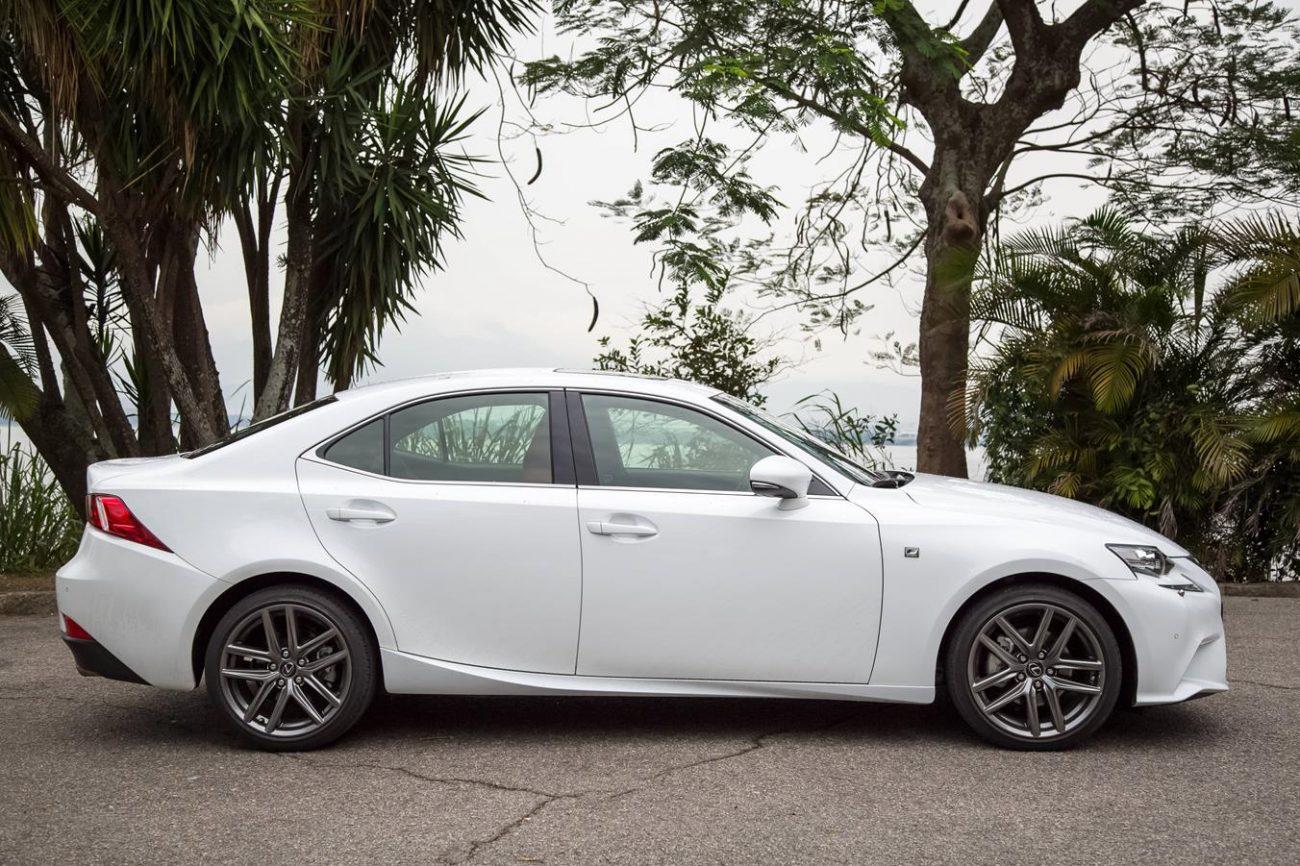 Lexus IS 250 F Sport Impressiona Pelo Design E Pela Mecânica