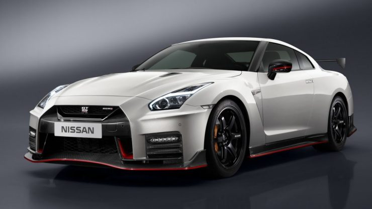 nissan-gtr-nismo-2017-launched-2
