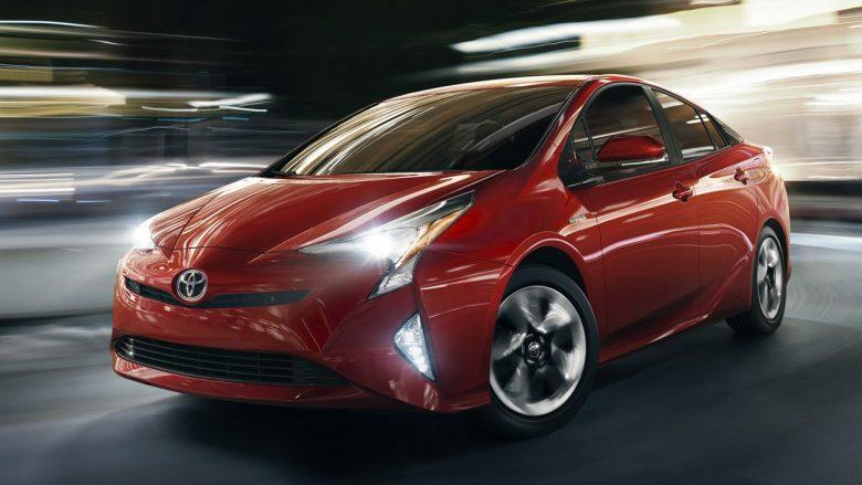 Toyota Prius de quarta geração é lançado no Brasil