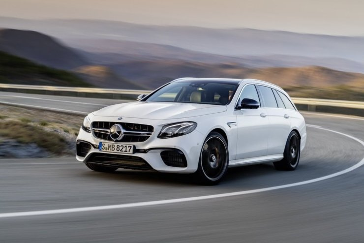2018-Mercedes-AMG-E63-Wagon-1