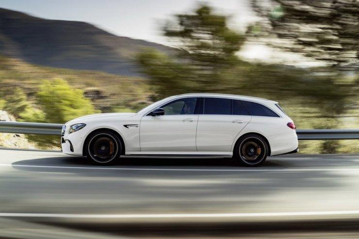 2018-Mercedes-AMG-E63-Wagon-5
